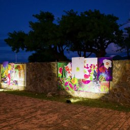 Claudio Arnell, Digital Flowerwall at the cemetary, 2019